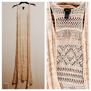 Beautiful {BOHO} crochet lace duster! ☮️ Size XS